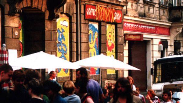 Zugemauerte Bronxx - Foto: Archiv Anton Launer 1991