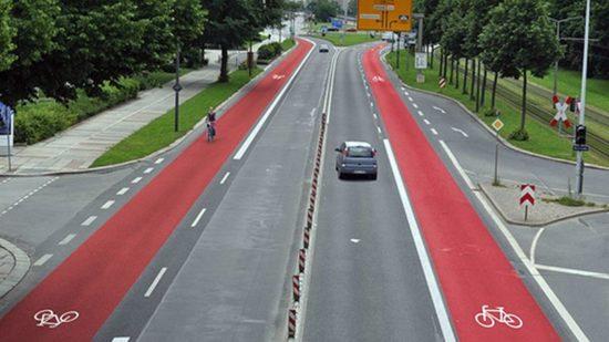 So wünscht sich der ADFC die Albertstraße ... Montage: ADFC