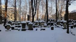 Der verschneite Jüdische Friedhof.