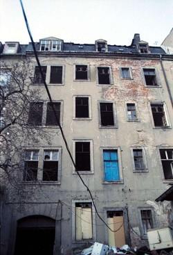 Hinterhaus in der Neustadt 1991, anklicken zum Vergrößern.
