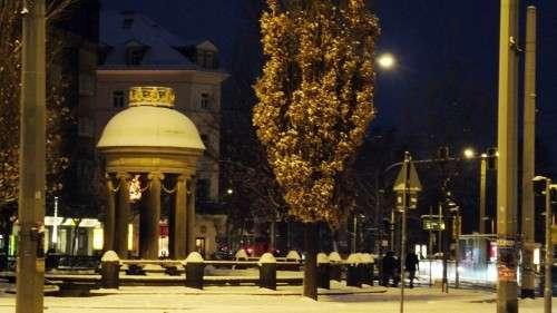 Albertplatz mit Artesischem Brunnen
