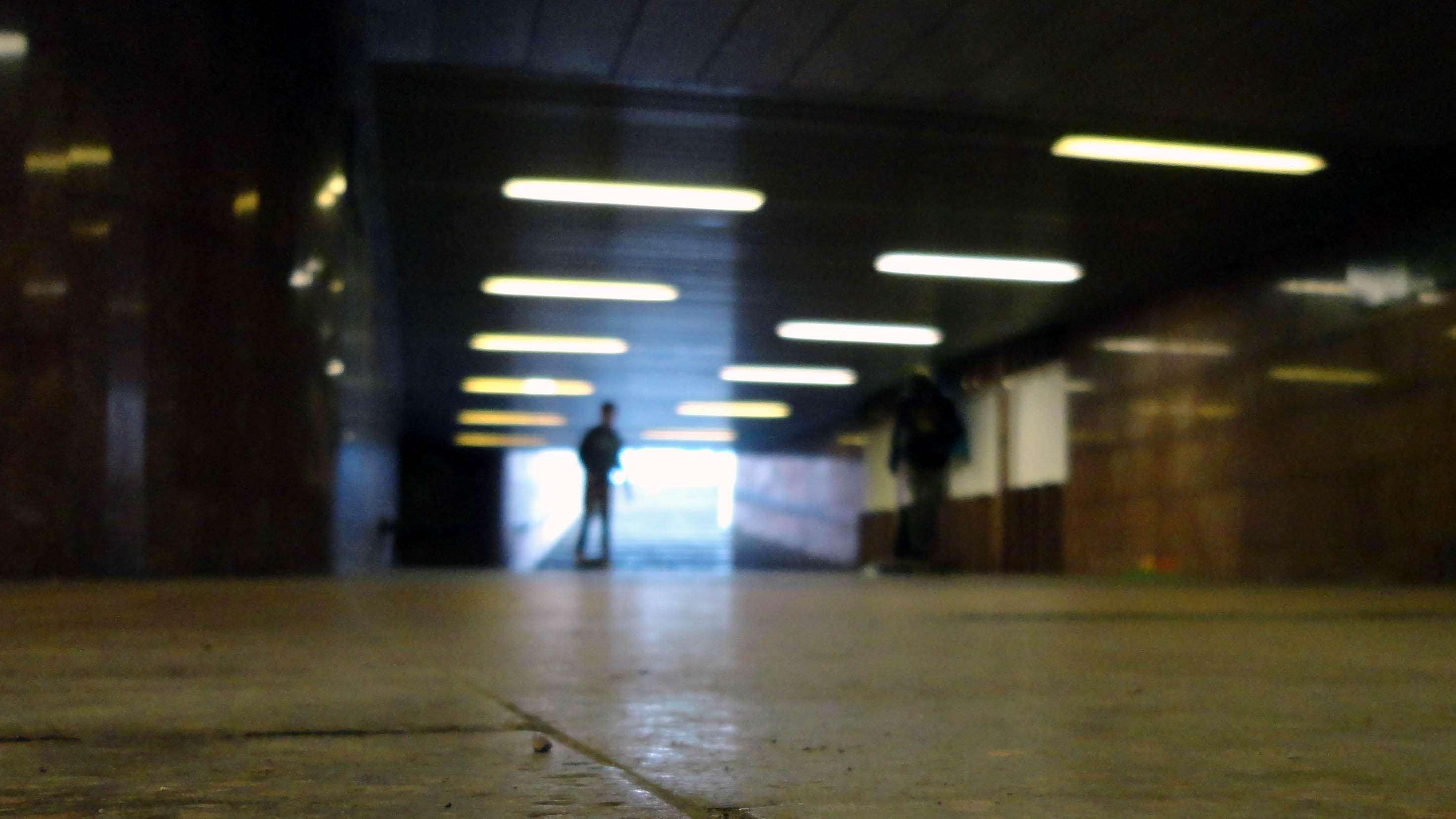 Skateboarder im Tunnel unter der Großen Meißner Straße