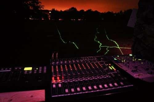 Elektroklänge am Alaunplatz: - Foto: Marc McLovin