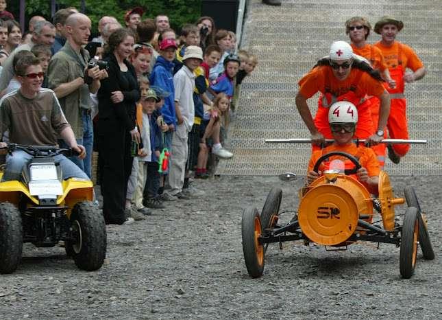 Seifenkistenrenner in orange - 2003 Foto: PR