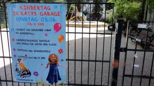 Kindertagswerbung auf der Talstraße