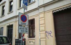 Parken in der ganzen Zone verboten!