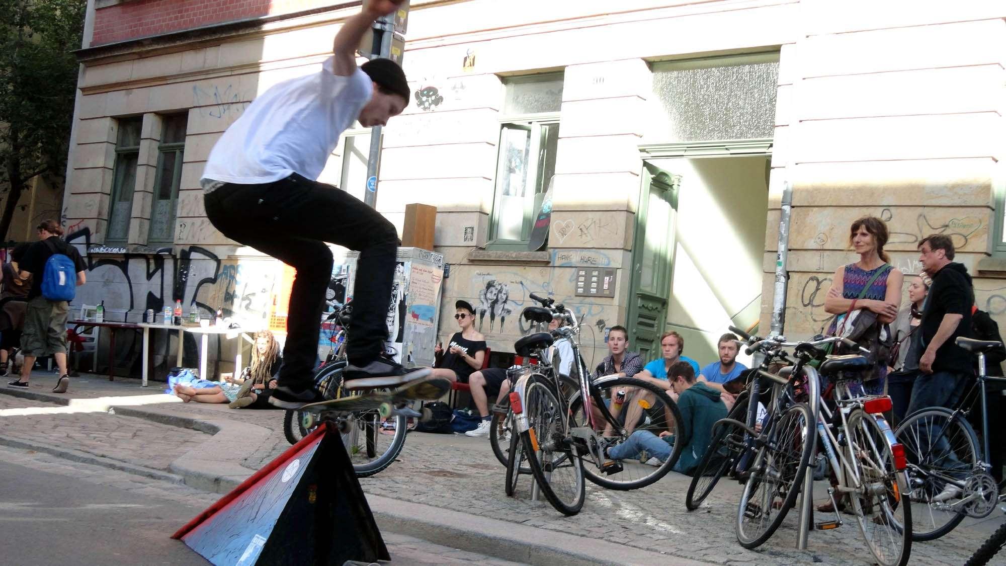 Heiße Skater-Action auf der oberen Alaunstraße