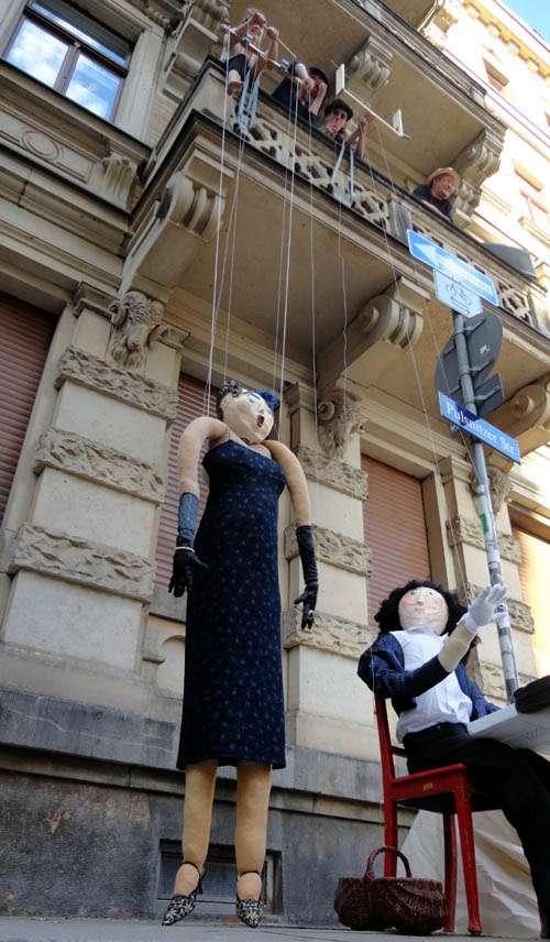 Hat doch nicht den Kopf verloren. Puppentheater am Martin-Luther-Platz.