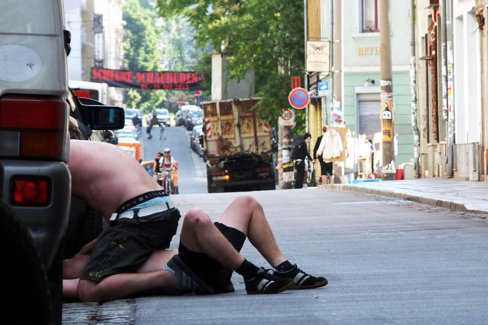 Gesehen auf der Alaunstraße um kurz nach 7 in der Frühe. Anklicken, um das Foto zu vergrößern.