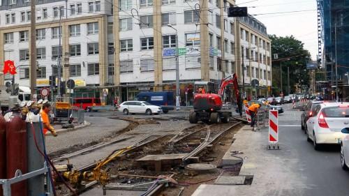 Gleisbauarbeiten an der Kreuzung Königsbrücker Straße/Bischofsweg