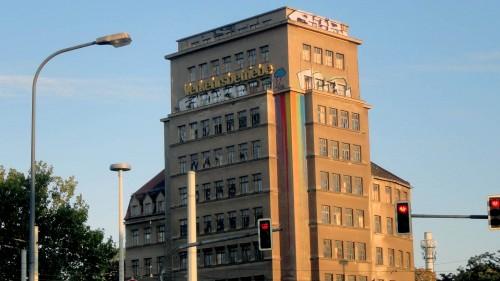 Wie weiter am Albertplatz. Das Hochhaus ist am Donnerstag Thema im Stadtrat.