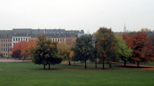 Der Alaunplatz zeigt sich dezent gefärbt.