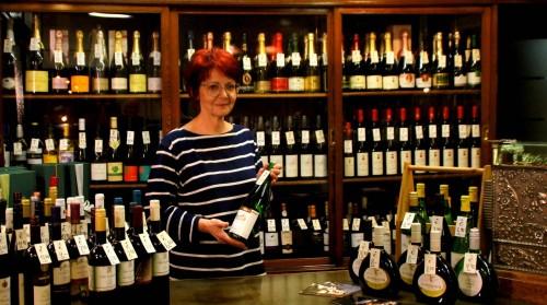 Ein schier unerschöpfliche Weinauswahl im ältesten Sprituosenladen der Stadt.