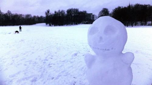 Extraterrestrische Schneeskulptur. Anklicken, um das Bild zu vergrößern.
