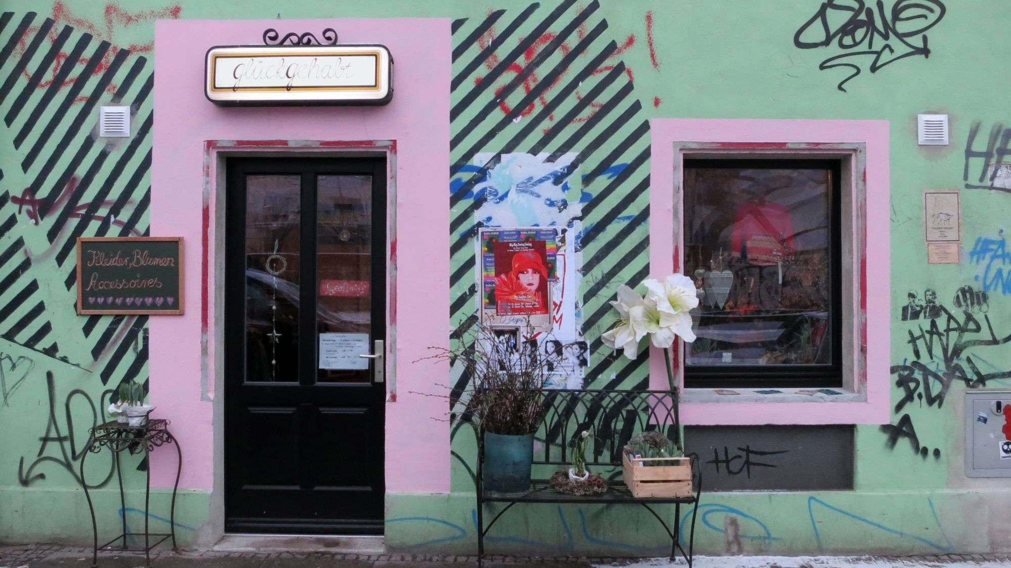 """Glück gehabt"", Alaunstraße 29"