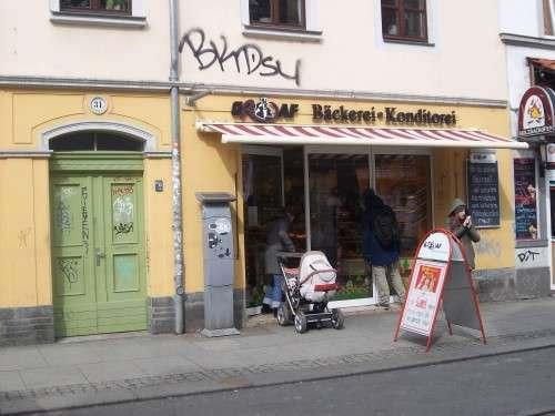 Andrang bei Grafs, fast zu erkennen: die Bäckerlyrik