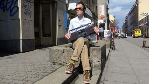 Ant Hampton mit lauscht seiner Audio-Performance