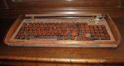 Funktionsfähige, aber leider unverkäufliche Holz-Tastatur
