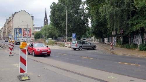 Prießnitzstraße: Ein- und Ausfahrt in beide Richtungen möglich.