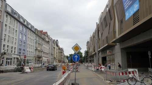 Parkhaus-Zufahrt: Legal nur von der Weintraubenstraße möglich.