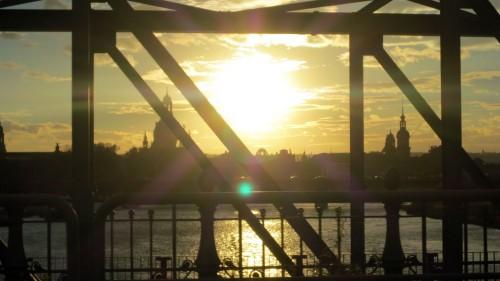 Reparatur nach Sonnenuntergang - Die Albertbrücke wird in der Nacht vom Montag zum Dienstag gesperrt.