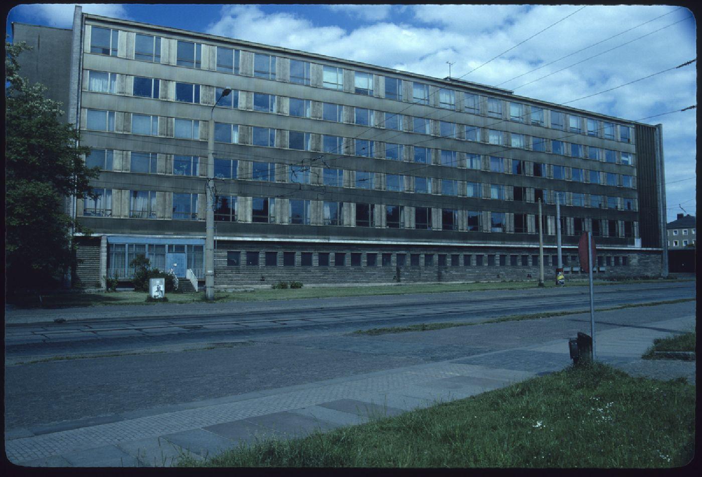 Das Postgebäude in den frühen 1990er Jahren ... Foto: Lothar Lange