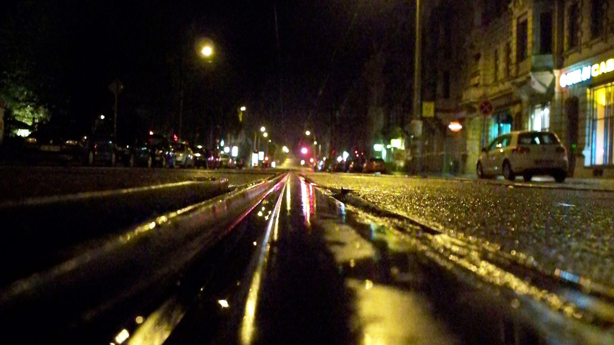 Königsbrücker Straße bei Nacht. Foto: Archiv (2009)
