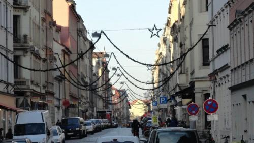 Louisenstraße im Weihnachtskettenrausch