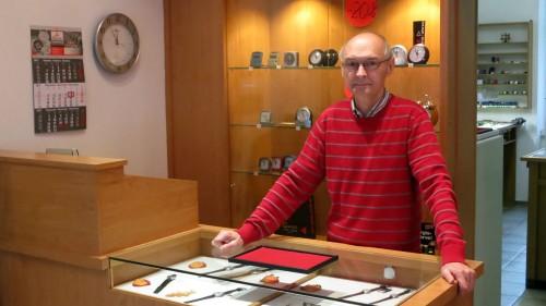 Uhren, Schmuck und Wecker gibt es bei Eberhard Beger