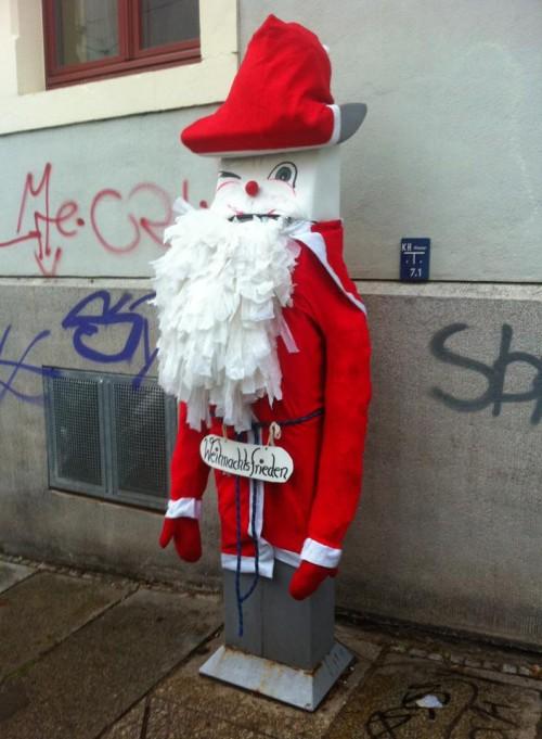 Der Weihnachtsmann-Automat auf der Nordstraße ... Foto: Andrea