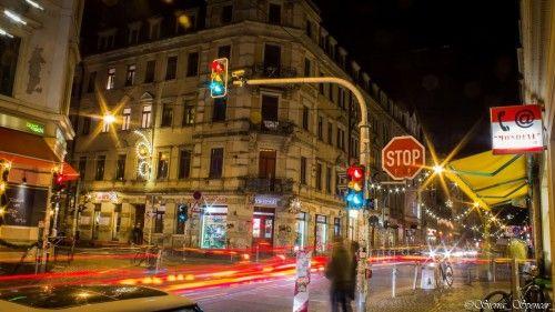 Neustadt bei Nacht - Foto: Sierra Spencer