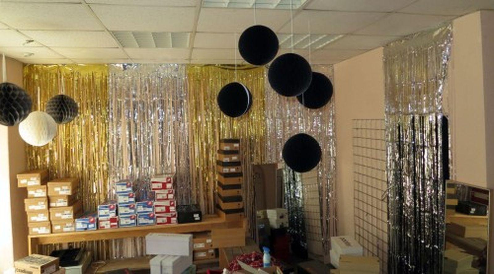 Lager-Leer-Verkauf-Party im ehemaligen Schlüpperladen