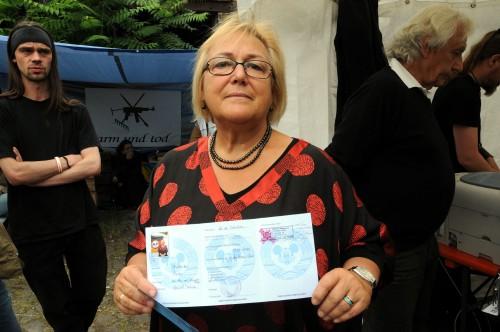 Als 2010 wieder Pässe für die BRN eingeführt wurden, war Friederike eine der ersten, die einen bekam.