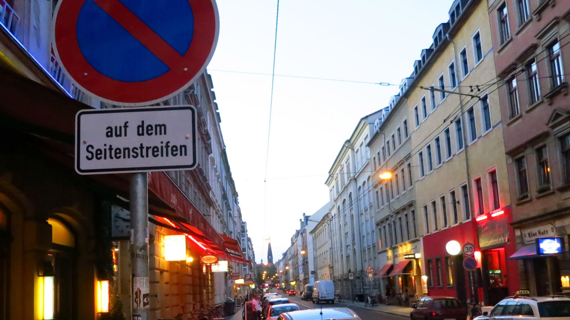 Parken verboten - ab dem Lebo ist's dann erlaubt.