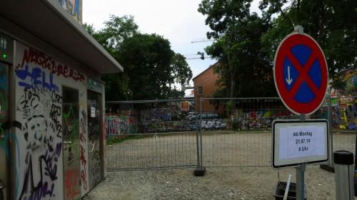 Derzeit kein Parkplatz auf dem Lehrerparkplatz.