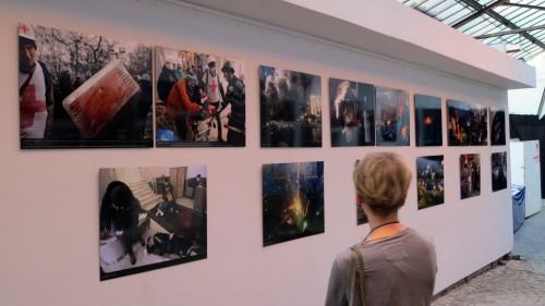 """Ausstellung """"Revolution der Würde"""""""
