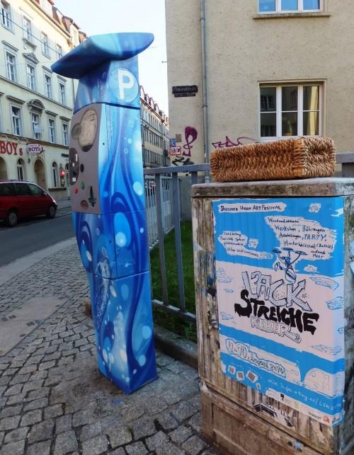 Gestalteter Parkscheinautomat auf der Alaun-/Ecke Timaeusstraße