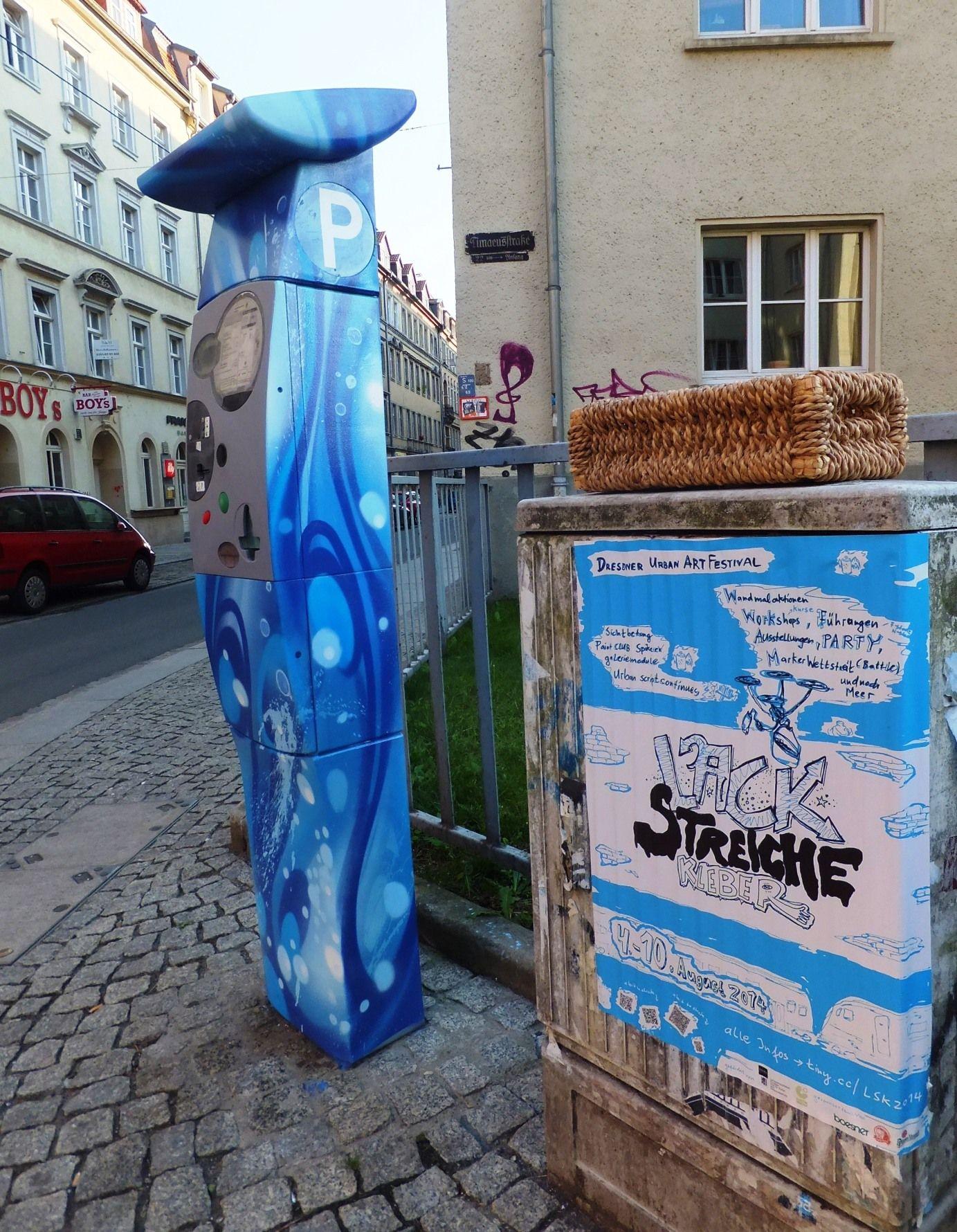 Gestalteter Parkscheinautomat auf der Alaun-/Ecke Timäusstraße