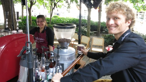 Steffen und Polina am Coffee-Bike