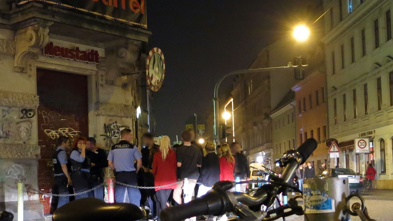 Zeugenbefragung durch die Polizei