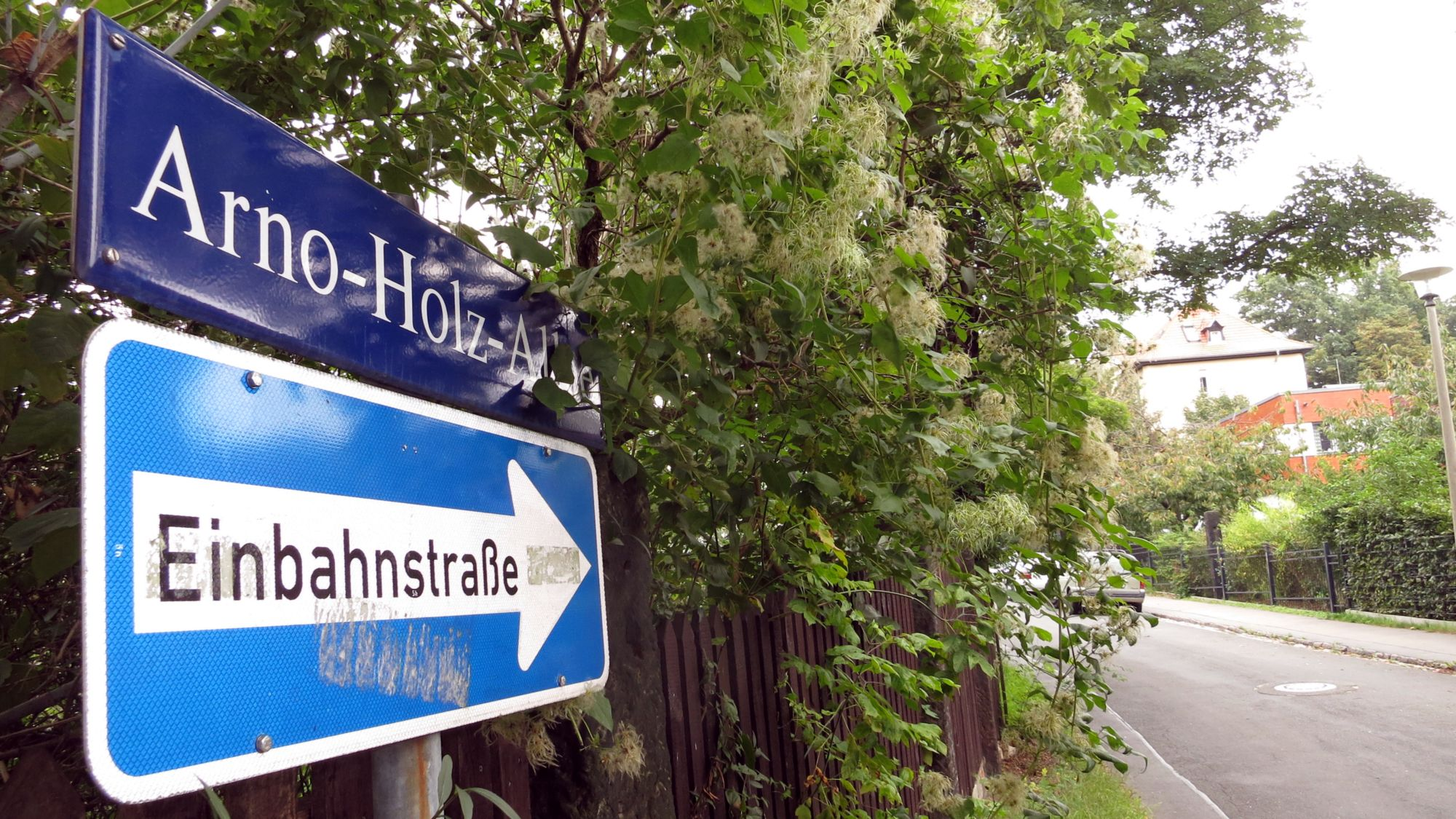 Arno-Holz-Allee