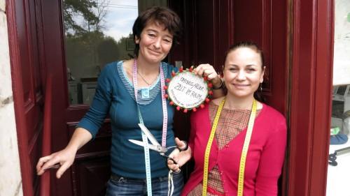 Stets freundlich und für Späße zu haben, die beiden Textil-Künstlerinnen am Bischofsweg.