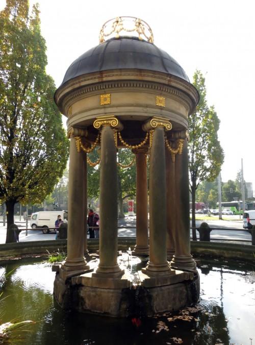 Das Tempietto wurde von Hans Erlwein entworfen und 1991 rekonstruiert.