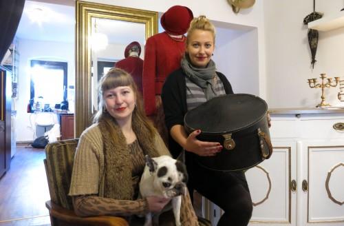 Laura Wedell, Ladenhund Brutus und Elise Schneider-Marfells