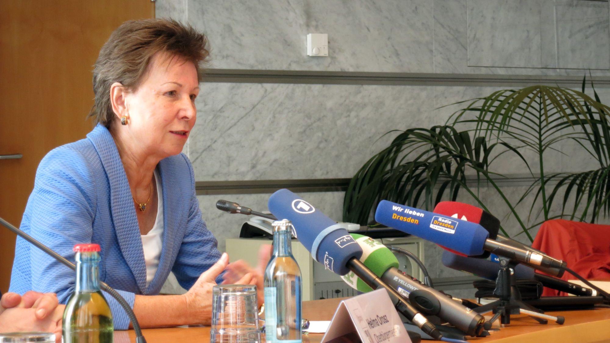 Helma Orosz (CDU) auf der Pressekonferenz zu ihrem Rücktritt