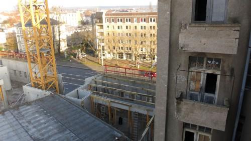 Die Flügel bleiben nur bis zur zweiten Etage stehen, der Rest kommt weg.