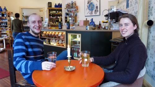 Verkäufer Thomas und Sabine in der Ecke Nord.