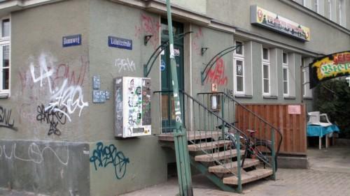 Geistertreff an der Ecke zur Lößnitzstraße