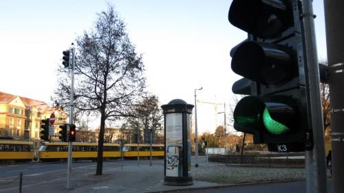 Neue Ampel am südlichen Albertplatz in Betrieb.