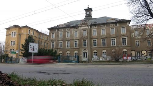 Die Gebäude stehen schon seit Jahren leer.